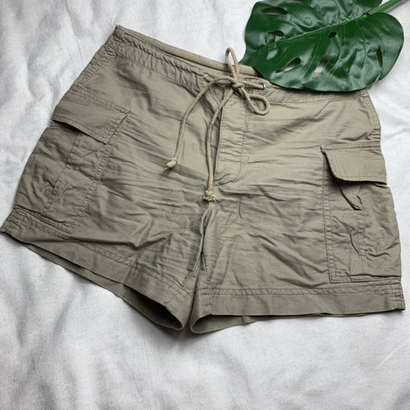 J. Crew Pants - • J.Crew Four Button Cargo Shorts • Size Small